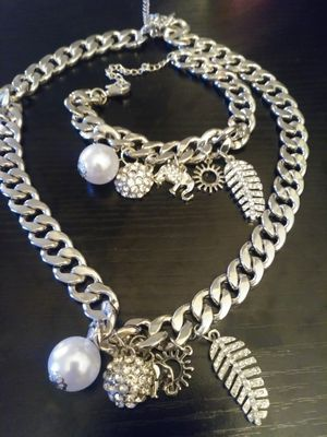 Pearl Charm Necklace Set!!! for Sale in Nashville, TN