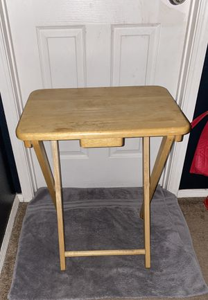 Little Table for Sale in Perris, CA