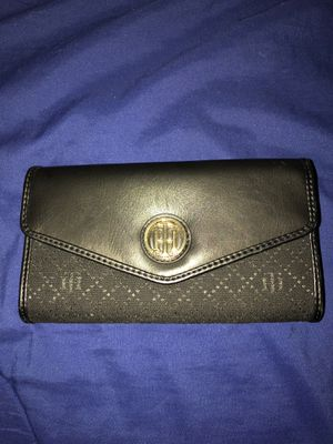 Authentic Tommy Hilfiger wallet for Sale in Phoenix, AZ