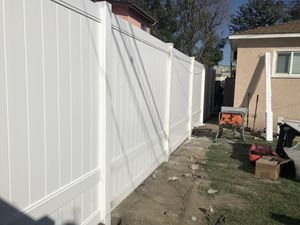 Vinyl fencing $35.00 for Sale in Pico Rivera, CA