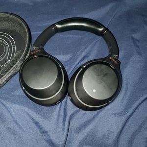 Sony Wh-1000xm3 for Sale in Carson, CA