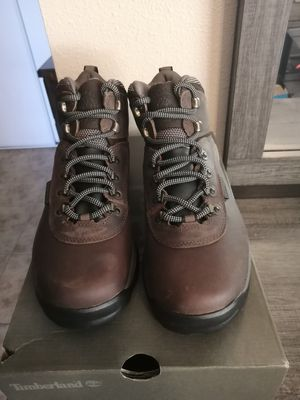 Brand new Timberland boots for women. Soft toe. Size 8. Waterproof. for Sale in Riverside, CA