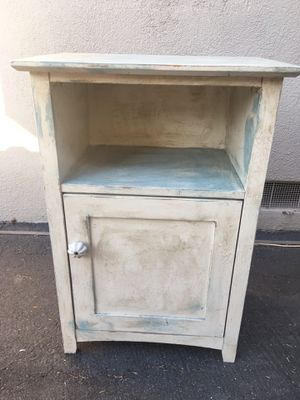 Nice wooden shabby chic side table for Sale in Costa Mesa, CA
