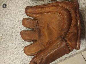 Vintage Softball Glove for Sale in Alafaya, FL