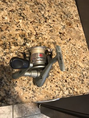 Fishing reel $25 for Sale in Burbank, IL