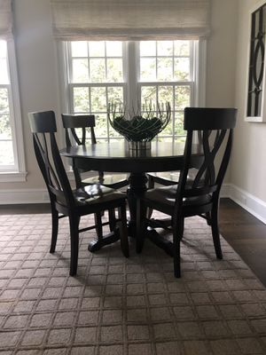 "Gorgeous, high quality solid wood (mahogany perhaps- not sure, but nice!) 48"" round table and 4 chairs for Sale in Darien, CT"