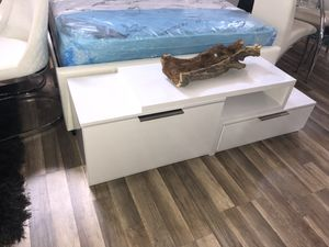 white tv stand with 2 drawers for Sale in Hialeah, FL