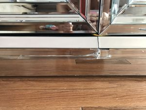 Mirrored console table ( with broken parts) $150 for Sale in Boston, MA