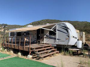 2012 Keystone Outback Sydney 298 RE 35 foot Fifth Wheel for Sale in Lakeside, CA