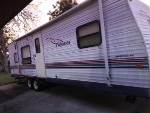 2005 pioneer travel trailer for Sale in Lafayette, LA