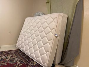 Mattress and box spring for Sale in Searcy, AR