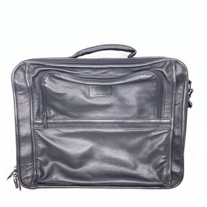 Tumi Black Leather Laptop Messenger Briefcase for Sale in Bellflower, CA