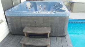 Hot tub/ jacuzzi for Sale in Revere, MA