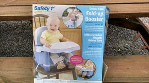 Safety first folder up booster seat for Sale in Linden, PA