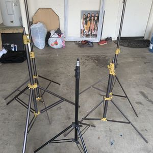 MAG LIGHTING WITH TRIPODS for Sale in Glendale, AZ