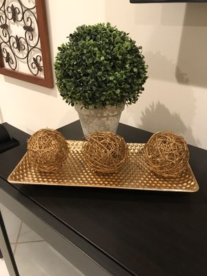 Pretty gold metal tray. Beautiful for your Christmas or holiday table BALLS NOT INCLUDED for Sale in Pembroke Pines, FL