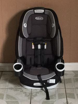 PRACTICALLY NEW GRACO CONVERTIBLE CAR SEAT 4 in 1 for Sale in Riverside, CA