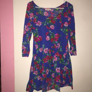 Woman clothes ... size M for Sale in Tampa, FL