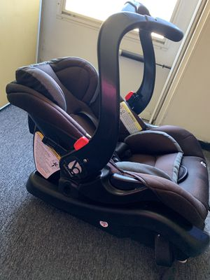 Baby Trend car seat for Sale in Lansing, IL