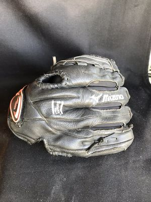 Mizuno Left handed Glove for Sale in Vancouver, WA