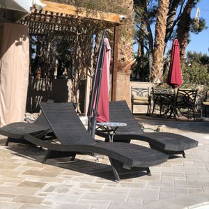 4 Wicker Pool/Patio Lounges for Sale in Henderson, NV