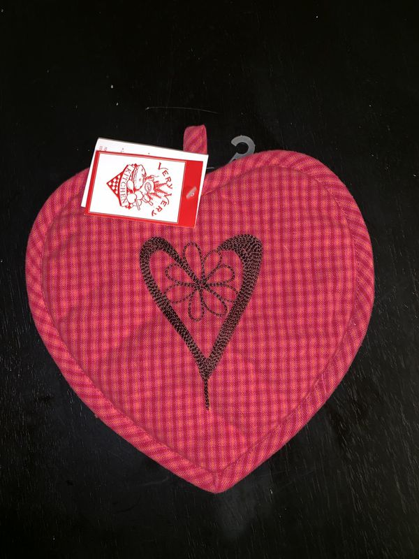 Cute Heart-Shaped Oven Pad