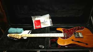 Fender classic vibe thinline squier telecaster for Sale in Elk Grove, CA