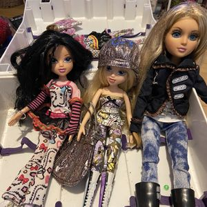 Moxie Girl Dolls With Case for Sale in Round Rock, TX