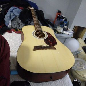 Guitar for Sale in Pardeeville, WI