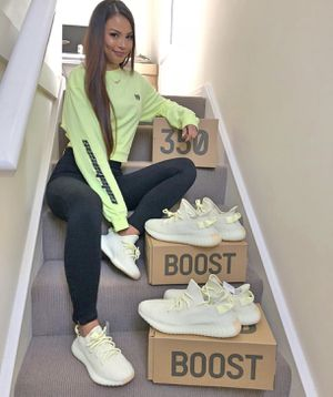 Yeezy 350 boost / butter for Sale in San Diego, CA