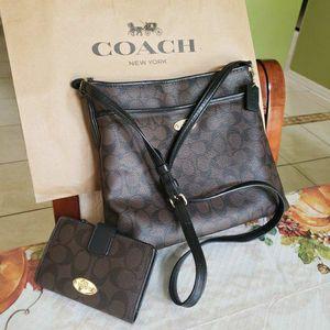 COACH SIGNATURE CROSSBODY BAG & WALLET SET SALE for Sale in St. Cloud, FL