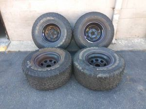 15x10 wheels with 33 inch tires. Chevy S10, GMC sonoma, blazer, more for Sale in East Los Angeles, CA