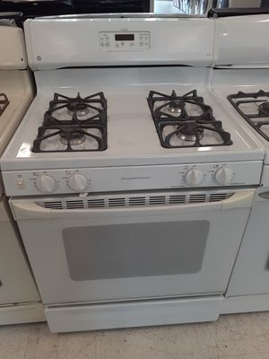 Ge gas stove used in good condition with 90 day's warranty for Sale in Mount Rainier, MD