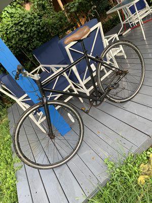 Bike road bike very lite faster rim 28 f-700 frame medium for Sale in Hialeah, FL