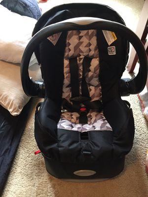 Evenflo Newborn Car Seat for Sale in Little Falls, MN