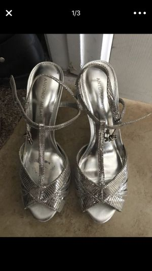 Shoes size 8 1/2 silver color for Sale in Henderson, NV