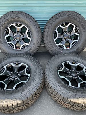 "17"" Jeep Gladiator 2020 RUBICON OEM Wheels for Sale in Fontana, CA"