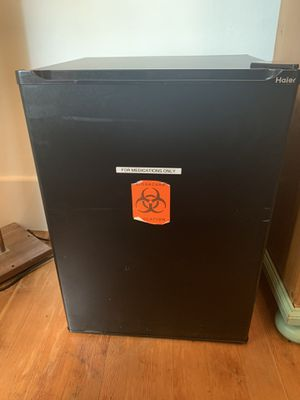 Working mini fridge for Sale in Port Orchard, WA