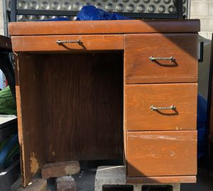 Kids wood desk needs TLC $ 10 for Sale in South Pasadena, CA