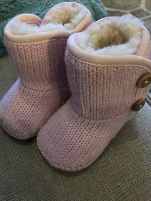 Baby Uggs girls Size 0/1 for Sale in Queens, NY