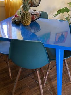 Table With/Without Chairs for Sale in Portland,  OR