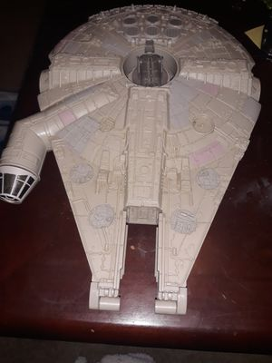 Star Wars Millennium Falcon Toy for Sale in Austin, TX