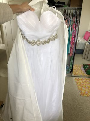 (Never worn) WEDDING DRESS - BRIDAL GOWN - Size 6 for Sale in La Verne, CA