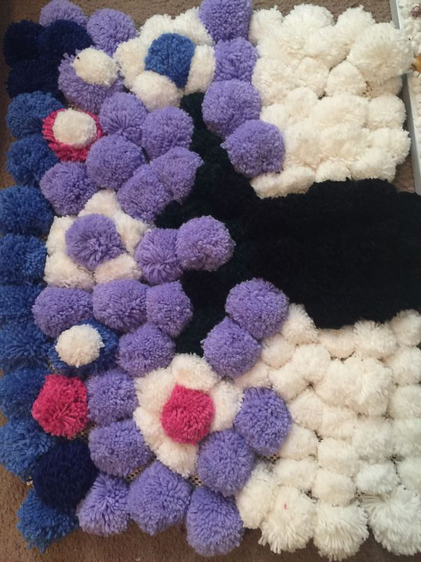 Flower Vase Pom Pom Rug For Sale In Concord Nc Offerup