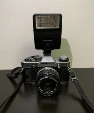 Olympus OMG 35mm SLR CameraW/ Olympus Zuiko 50mm 1:1.8 & Canon Flash, MINT for Sale in Brooklyn, NY