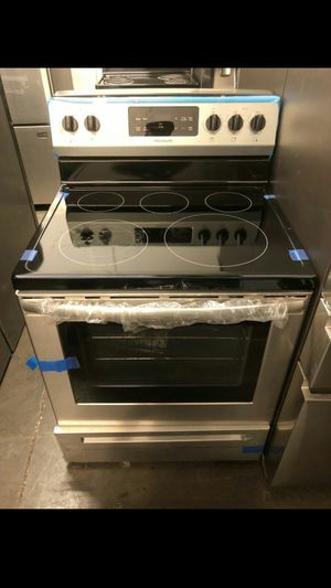 Stainless steel electric glass top range - 30 in for Sale in Phoenix, AZ