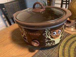 Owl Design Crock Pot- 4quart for Sale in Phoenix, AZ
