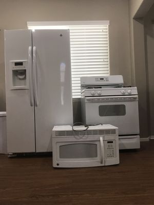 GE kitchen appliances (white) for Sale in North Las Vegas, NV
