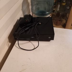 Xbox One W/cables And Controller for Sale in Lake Worth, FL
