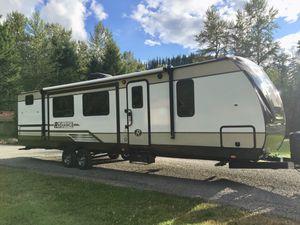 2019 radiance ultra lite 32bh travel trailer for Sale in Gresham, OR